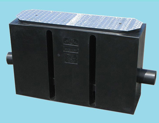 125L Plastic Or Galvanized Lid Greasetrap H32020